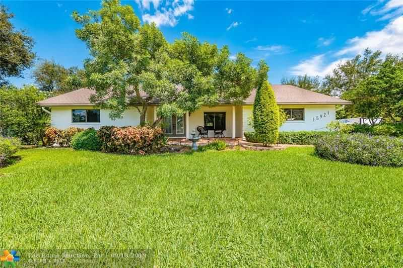 $719,900 - 4Br/3Ba -  for Sale in Fla Fruit Lands Co Sub 1, Southwest Ranches