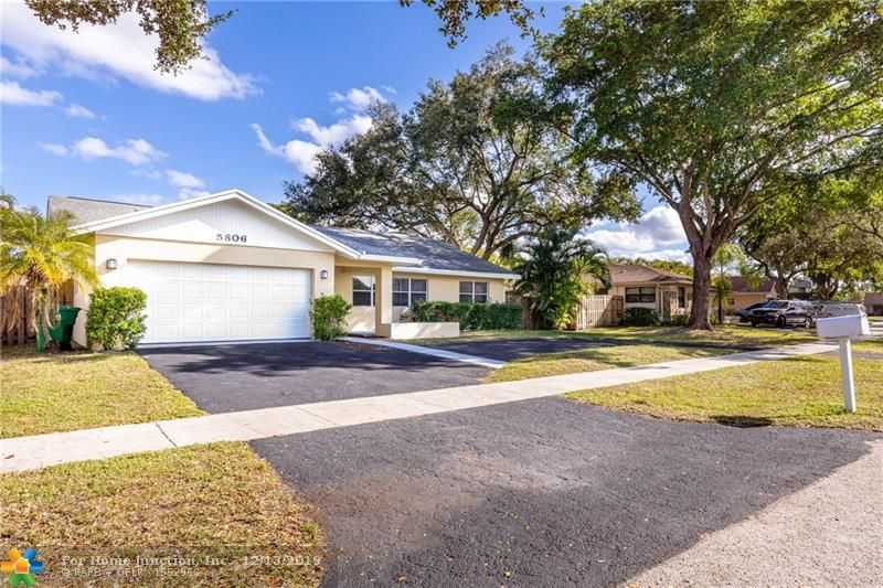 $424,500 - 3Br/2Ba -  for Sale in Flamingo Gardens-live Oak, Cooper City