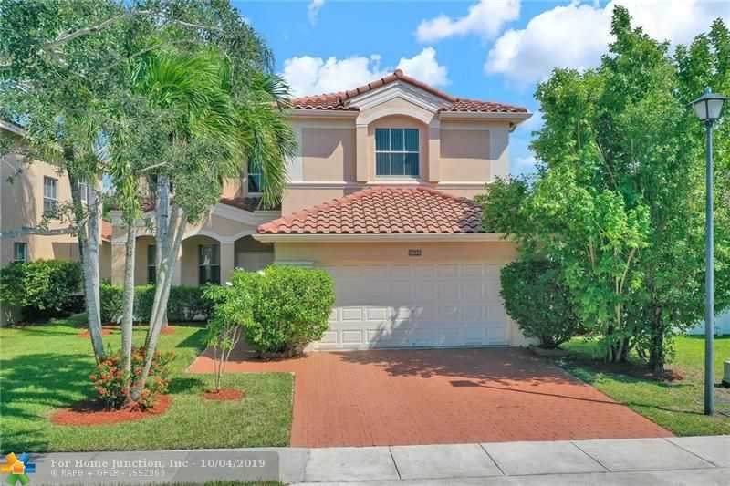 $500,000 - 4Br/4Ba -  for Sale in Nautica 164-36 B, Miramar