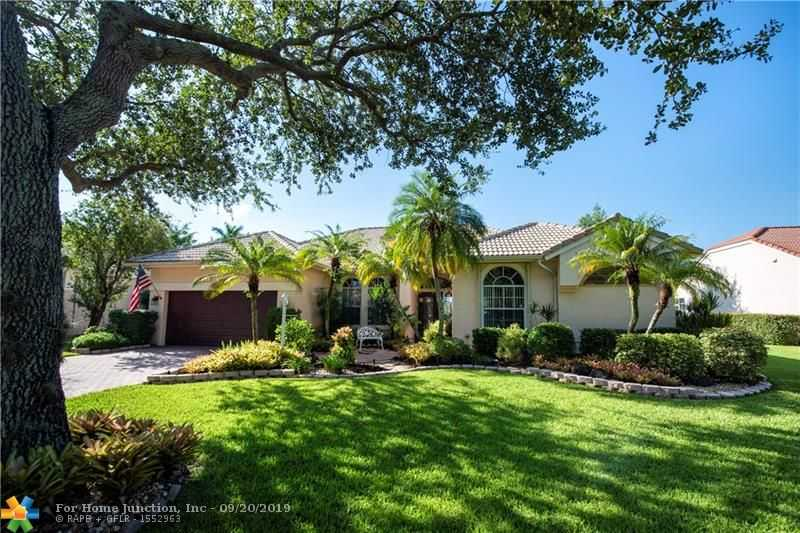 $575,500 - 4Br/3Ba -  for Sale in Estates Of Stirling Lake, Davie