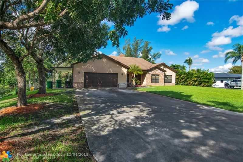 $760,000 - 4Br/3Ba -  for Sale in D & M Acres 85-15 B, Davie