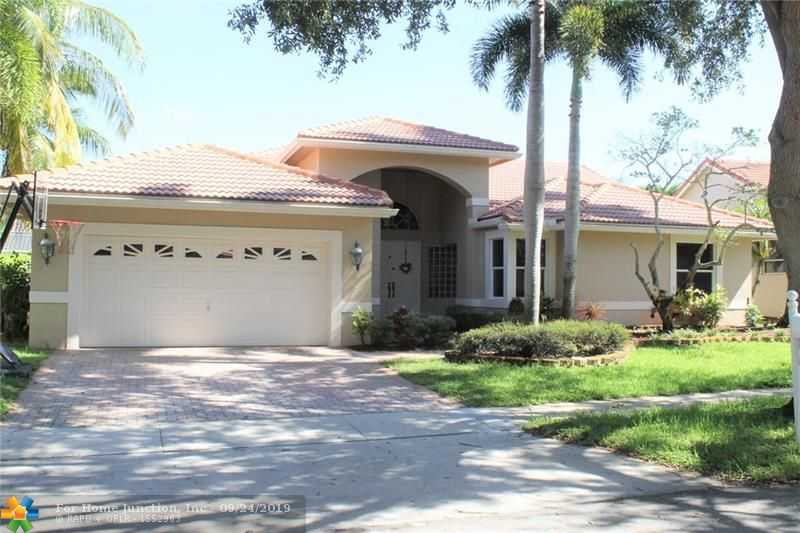 $448,900 - 4Br/3Ba -  for Sale in Silver Lakes-malibu Point, Pembroke Pines