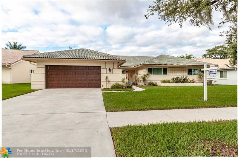 $485,000 - 4Br/2Ba -  for Sale in Hawkes Bluff Of Ivanhoe, Davie