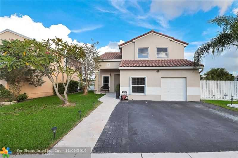 $510,000 - 4Br/3Ba -  for Sale in Dimensions North At Chape, Pembroke Pines