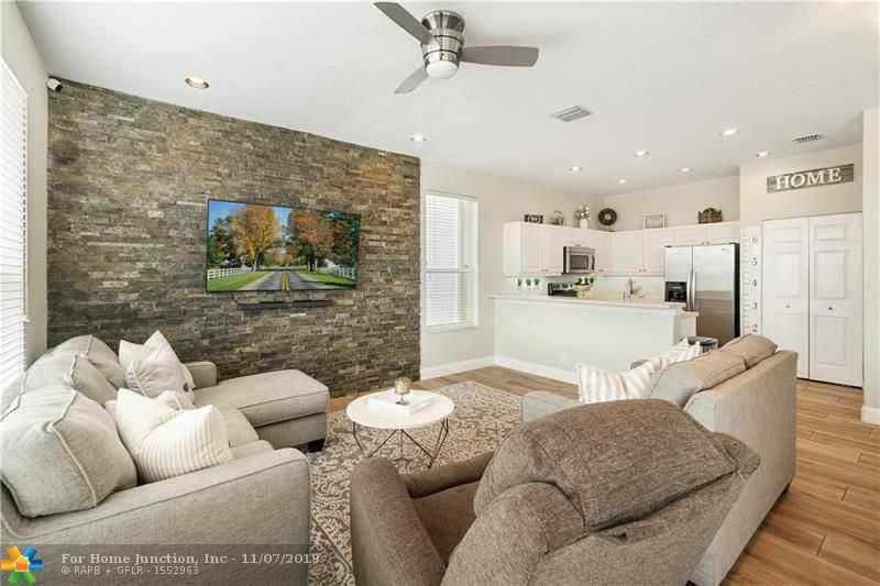 $450,000 - 4Br/3Ba -  for Sale in Silver Shores Parcels A T, Miramar