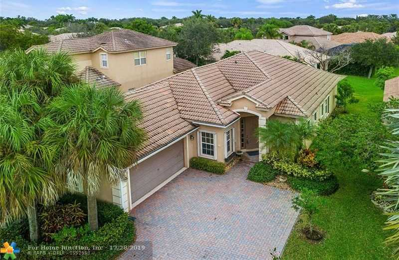$469,000 - 4Br/2Ba -  for Sale in Parkland Isles 164-42 B, Parkland