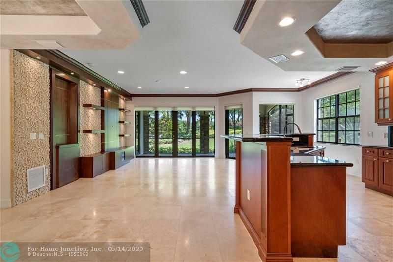 $405,000 - 3Br/2Ba -  for Sale in Parkland