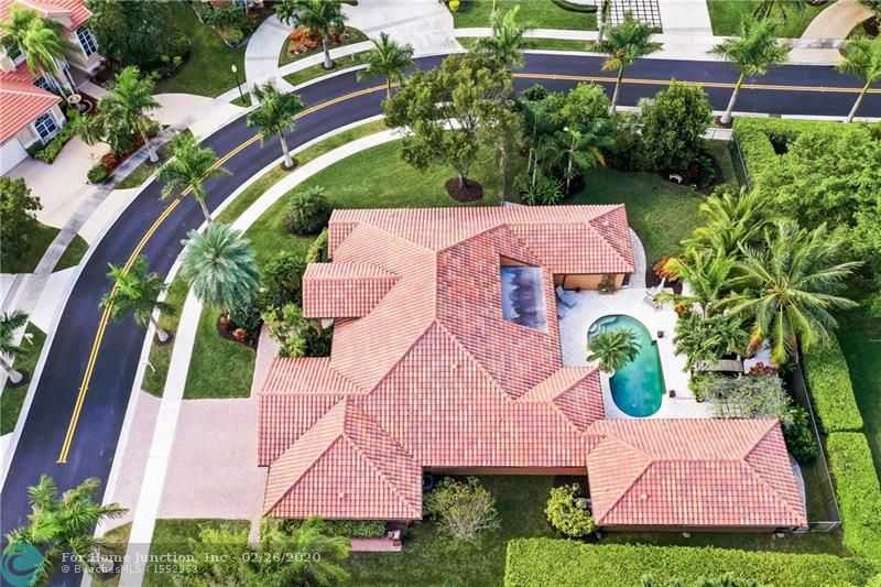 $905,000 - 5Br/4Ba -  for Sale in Sector 6 141-21 B, Weston
