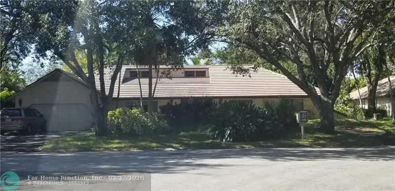 $479,000 - 4Br/4Ba -  for Sale in Oak Wood 80-39 B, Coral Springs
