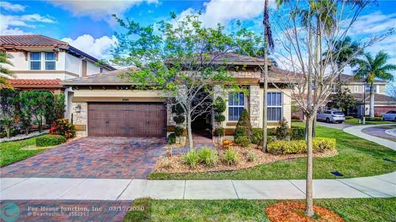 $594,900 - 4Br/3Ba -  for Sale in Miralago, Parkland