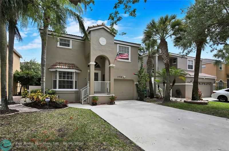 $359,900 - 3Br/3Ba -  for Sale in West Glen Manor, Coral Springs