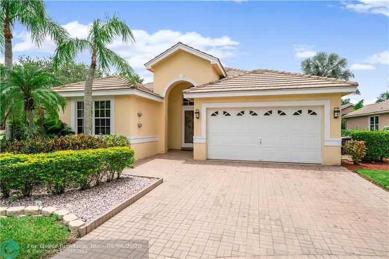 $399,000 - 4Br/2Ba -  for Sale in Eagle Trace/hamptons, Coral Springs
