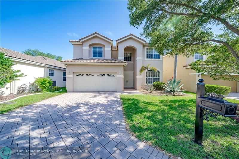 $469,900 - 4Br/3Ba -  for Sale in Lakeview Drive Sub, Coral Springs