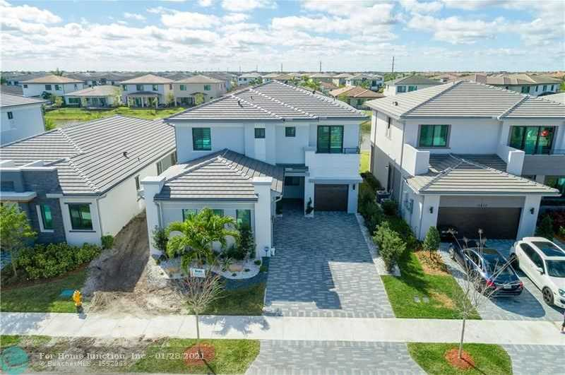 $839,000 - 5Br/4Ba -  for Sale in Cascata, Parkland