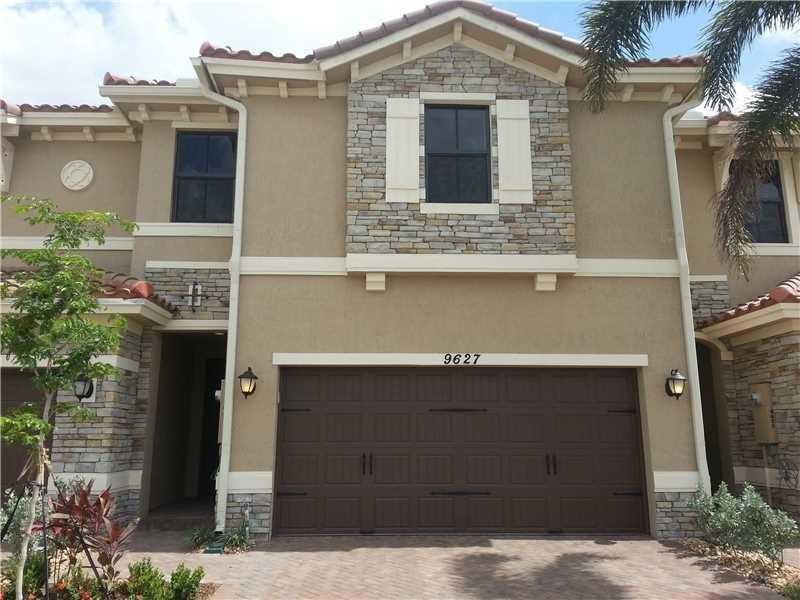 $437,000 - 4Br/4Ba -  for Sale in Town Park Miralago, Parkland