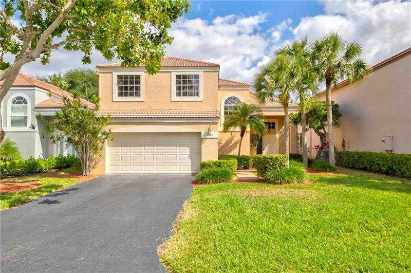 $560,000 - 4Br/3Ba -  for Sale in Terramar One 140-30 B, Parkland