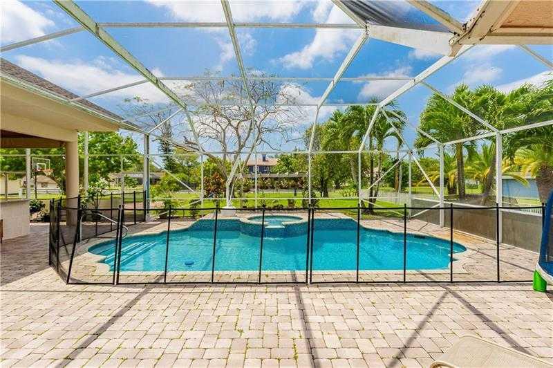 $1,299,000 - 6Br/4Ba -  for Sale in Pine Tree Estate3, Parkland