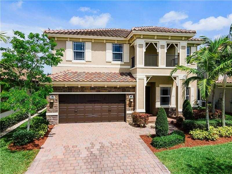 $879,000 - 5Br/4Ba -  for Sale in Miralago, Parkland