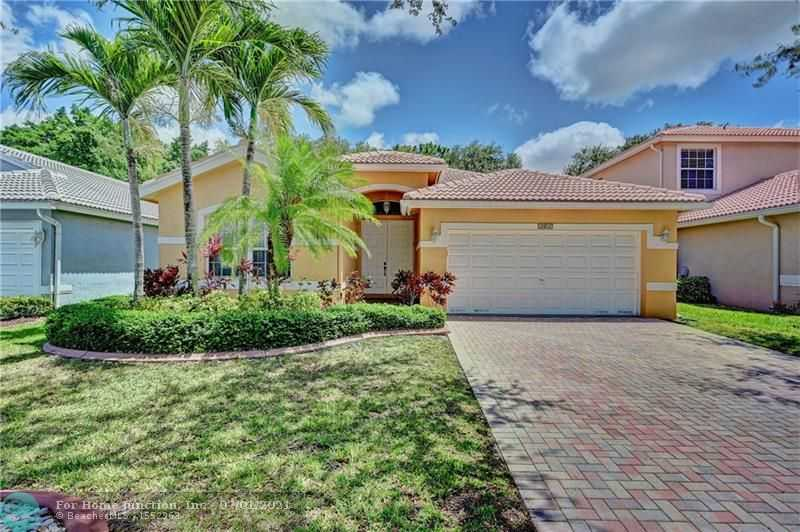 $540,000 - 4Br/3Ba -  for Sale in The Lakes At Parkland, Parkland