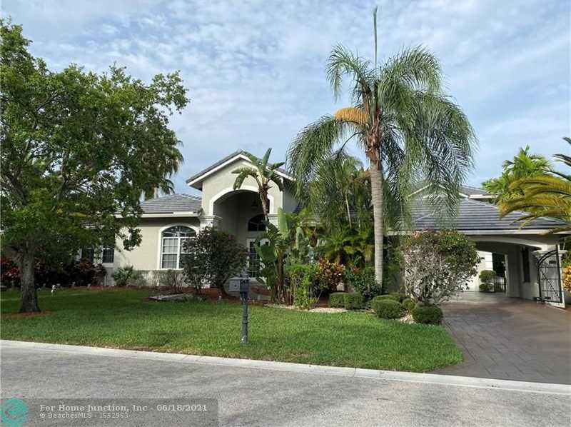 $898,500 - 5Br/5Ba -  for Sale in Fox Ridge 157-8 B, Parkland