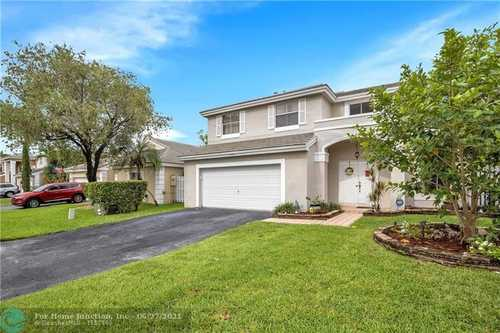$540,000 - 4Br/3Ba -  for Sale in Winston Park Sec One 131-, Coconut Creek