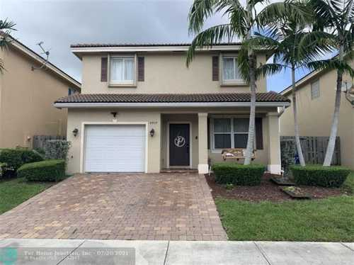$470,000 - 4Br/3Ba -  for Sale in Precious Homes At Lakes B, Cutler Bay