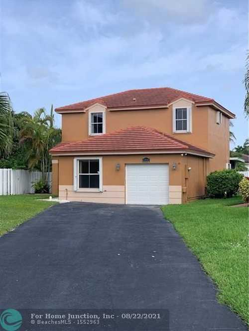 $526,900 - 4Br/3Ba -  for Sale in Dimensions North At Chape, Pembroke Pines