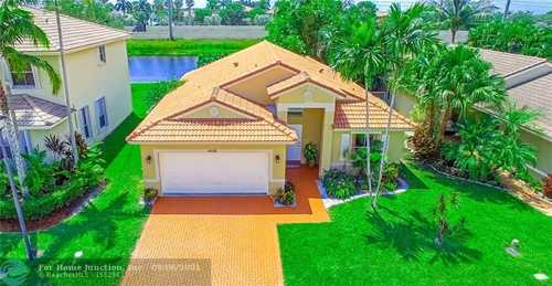 $540,000 - 3Br/2Ba -  for Sale in Vulcan Materials Company, Pembroke Pines