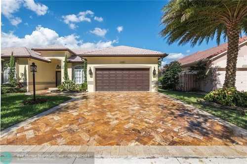 $710,000 - 5Br/3Ba -  for Sale in Stoneridge Lake Estates, Fort Lauderdale