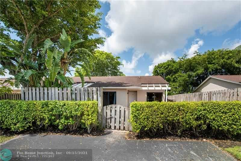 $310,000 - 2Br/2Ba -  for Sale in The Lakes, Deerfield Beach