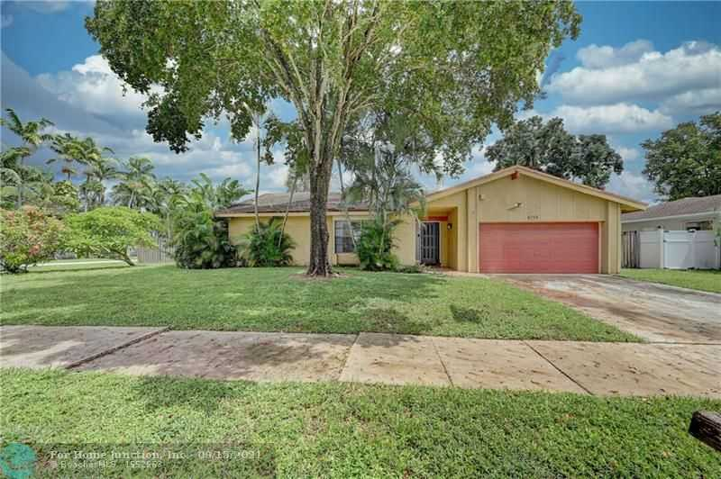 $460,000 - 3Br/2Ba -  for Sale in Palm-aire Village, Fort Lauderdale
