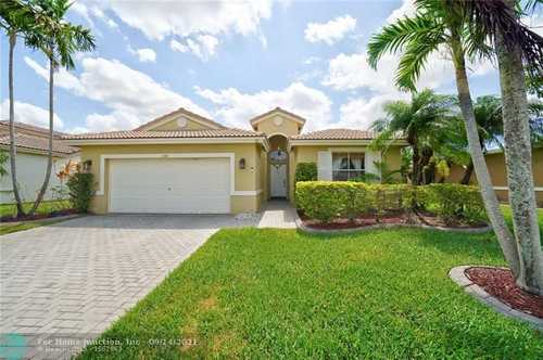 $469,979 - 4Br/3Ba -  for Sale in Vulcan Materials Company, Pembroke Pines