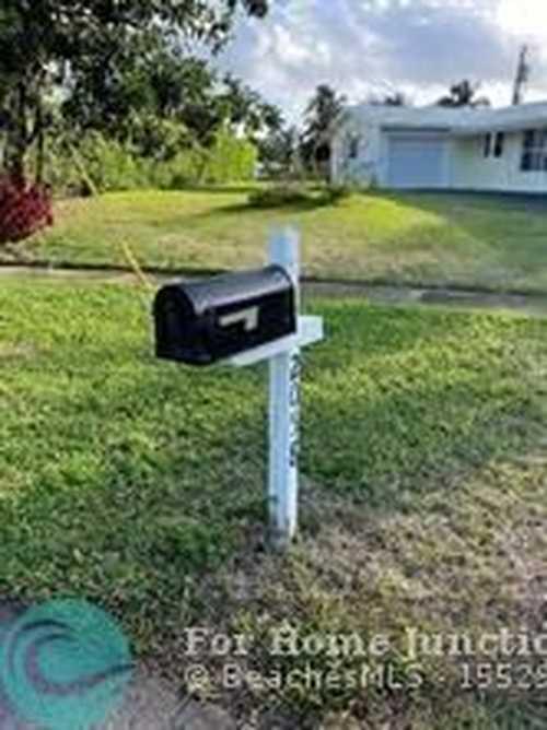 $1,595,000 - 4Br/2Ba -  for Sale in Juno Isles 01, North Palm Beach