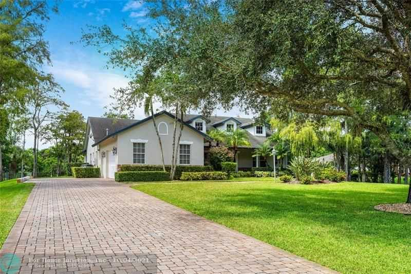 $1,350,000 - 5Br/4Ba -  for Sale in Pine Tree Estates, Parkland