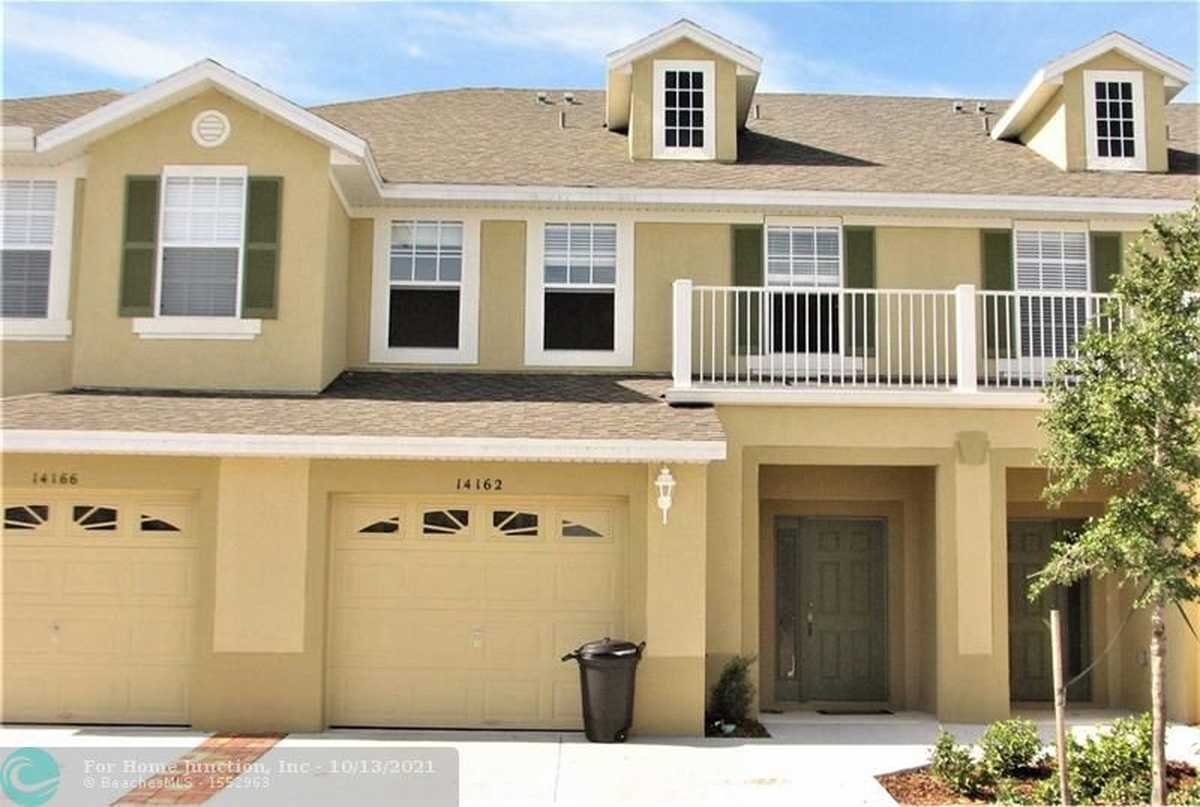 $338,000 - 3Br/3Ba -  for Sale in Avalon Lakes, Other City - In The State Of Florida