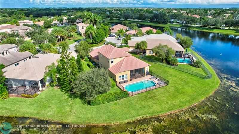 $699,900 - 5Br/3Ba -  for Sale in Parkland Isles 164-42 B, Parkland