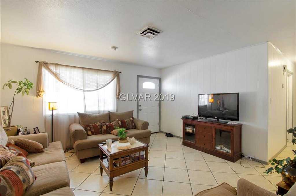 $135,000 - 4Br/2Ba -  for Sale in Kasper Park Unit #2, Las Vegas