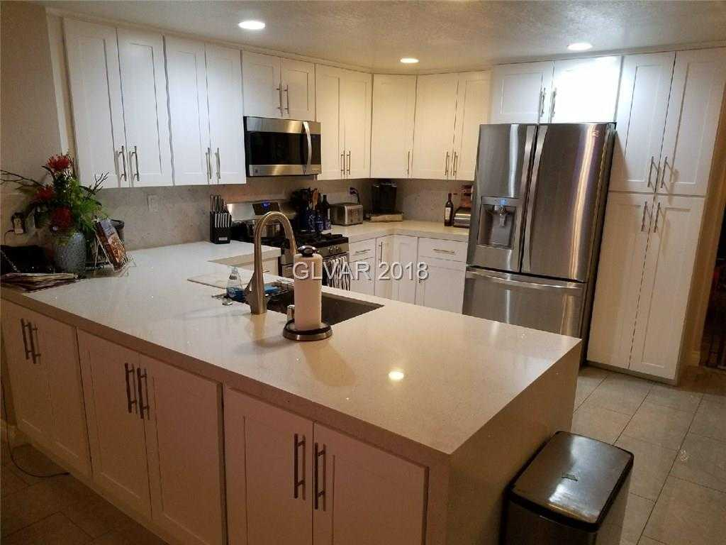 $425,000 - 4Br/3Ba -  for Sale in Reflections At The Lakes Unit, Las Vegas