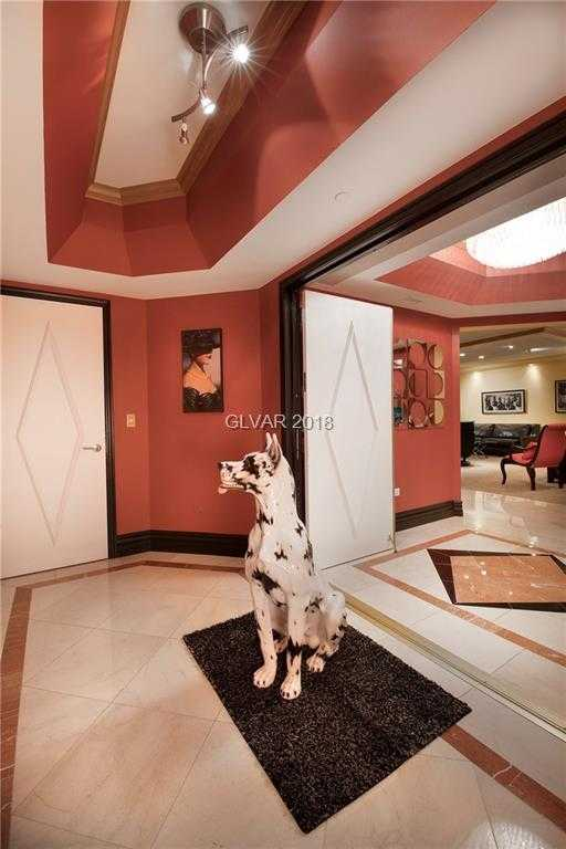 - 3Br/3Ba -  for Sale in Turnberry Place Amd, Las Vegas