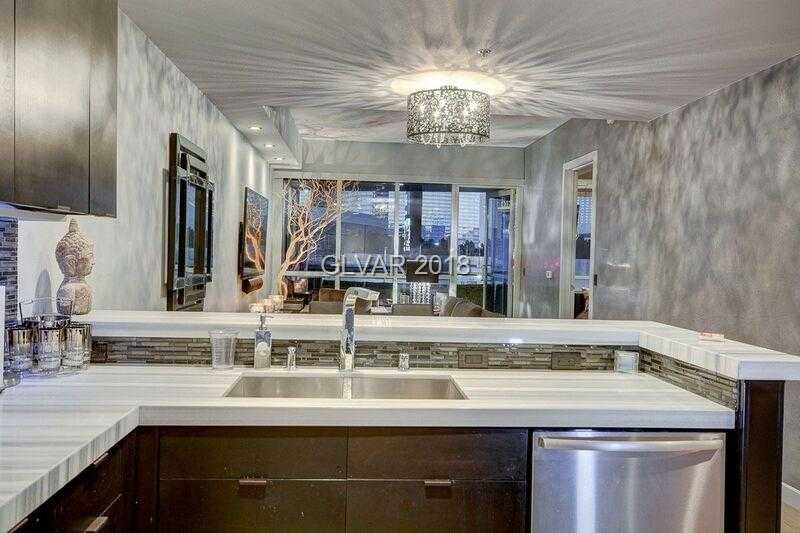 $400,000 - 2Br/2Ba -  for Sale in Panorama Towers 1, Las Vegas
