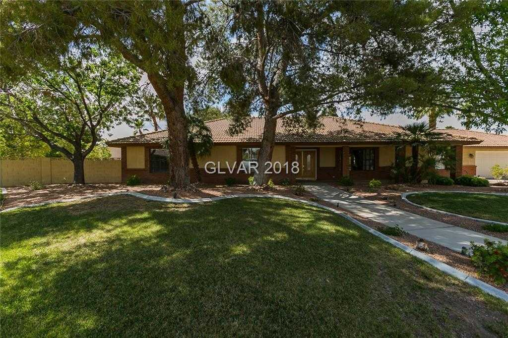 $525,000 - 4Br/3Ba -  for Sale in The Lakes, Las Vegas