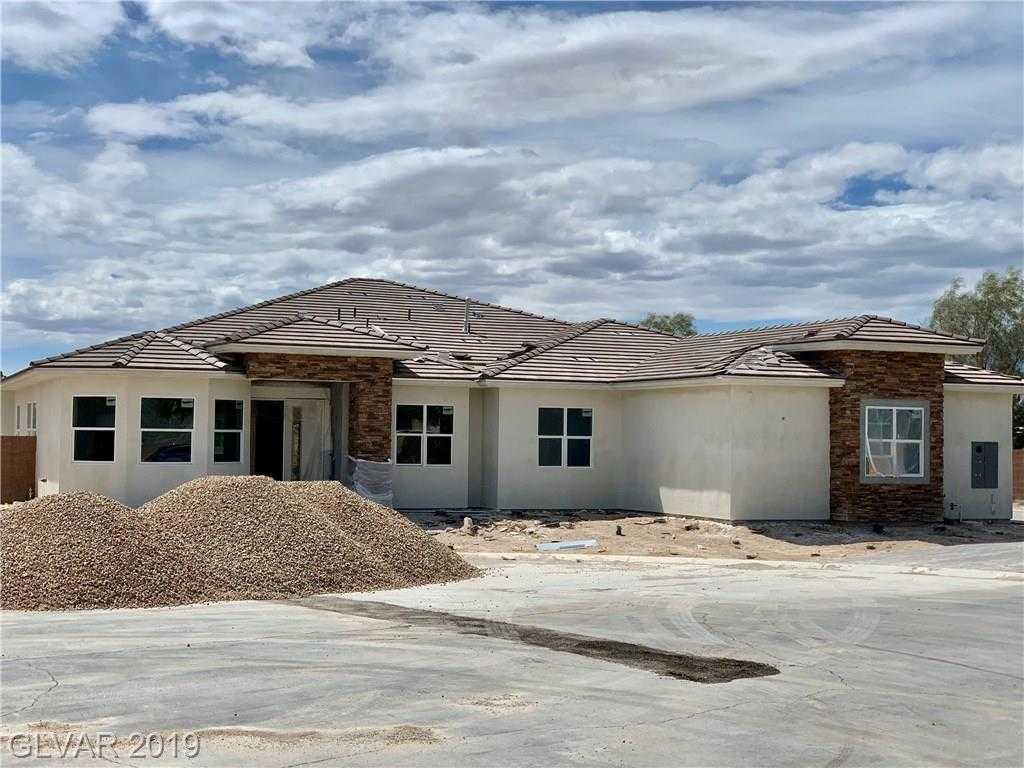 $695,000 - 4Br/4Ba -  for Sale in Maverick Equestrian Est, Las Vegas
