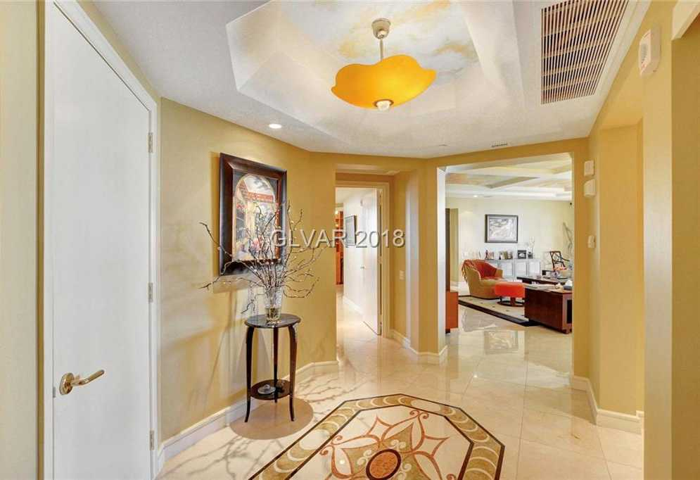 $700,000 - 2Br/3Ba -  for Sale in Turnberry Place Phase 3 Amd, Las Vegas