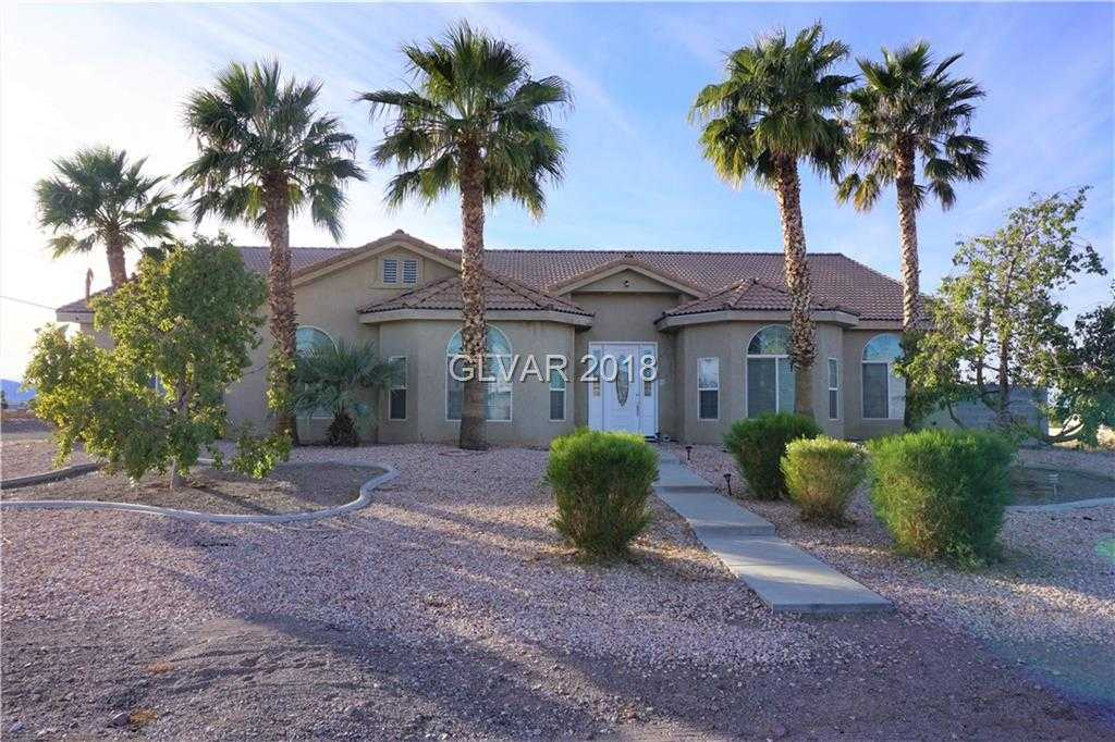 $699,900 - 4Br/3Ba -  for Sale in None, Henderson