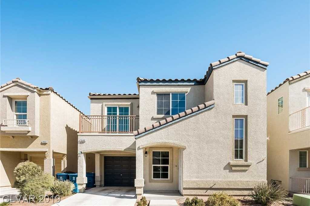 $218,000 - 2Br/3Ba -  for Sale in Astoria At Town Center-north-, Las Vegas