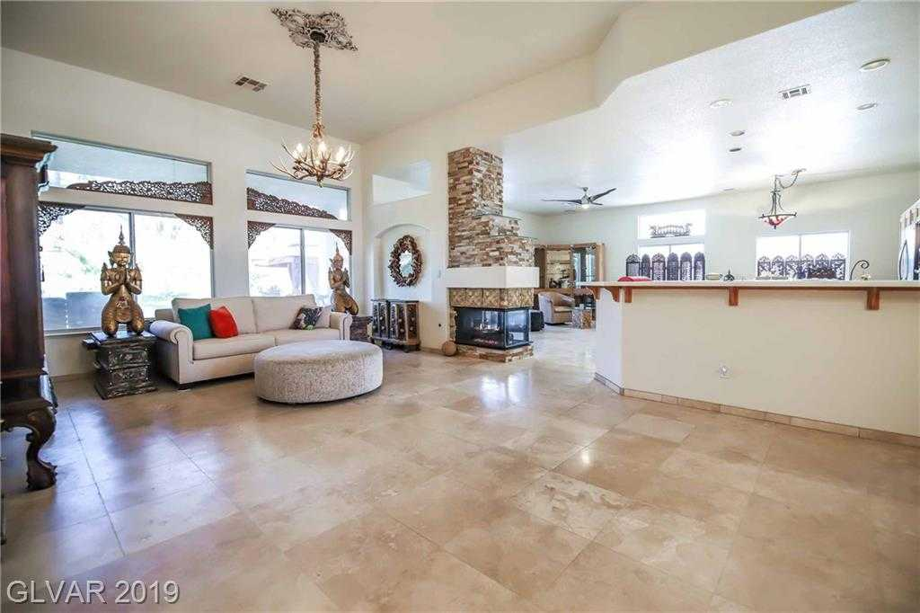$528,000 - 3Br/3Ba -  for Sale in Green Valley Ranch, Henderson
