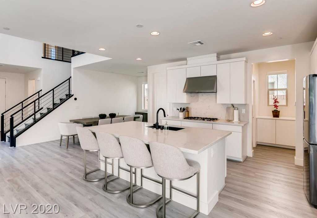 $525,000 - 4Br/4Ba -  for Sale in Inspirada Pod 2-2 Phase 2 2nd, Henderson