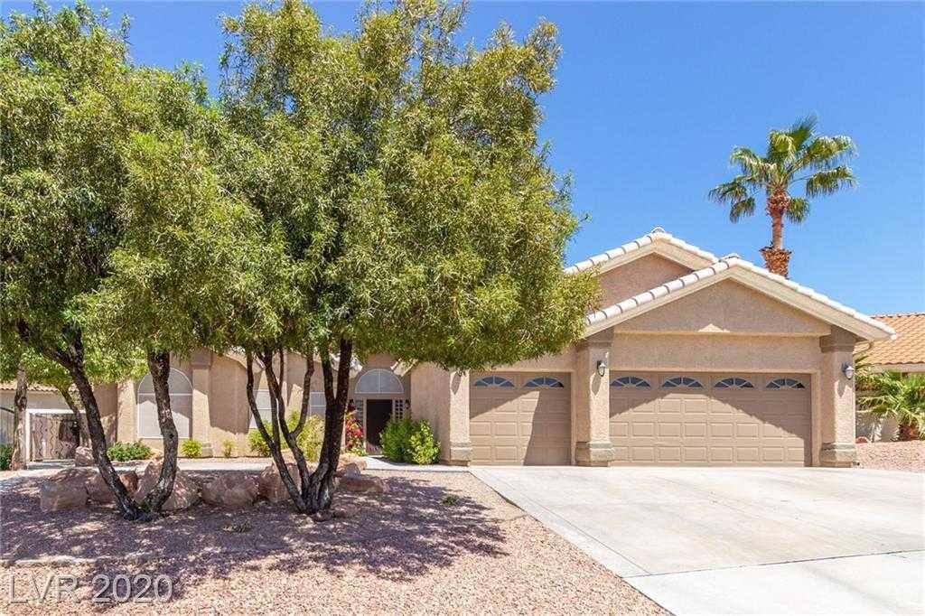 $599,900 - 4Br/3Ba -  for Sale in Calico Terrace Unit 1, Henderson