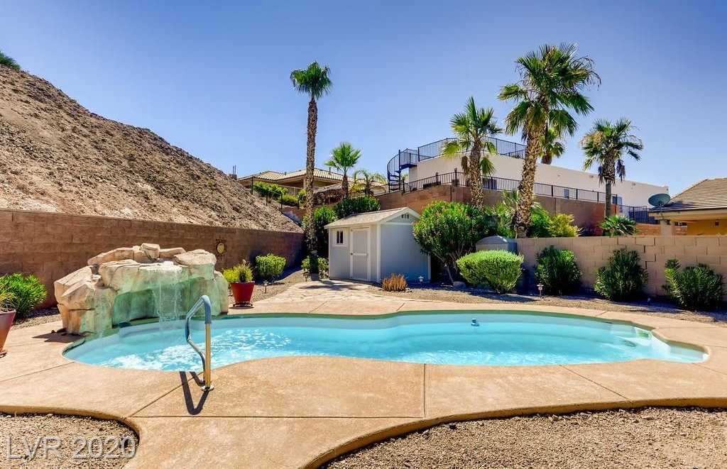 $524,900 - 3Br/2Ba -  for Sale in Two Crows, Henderson