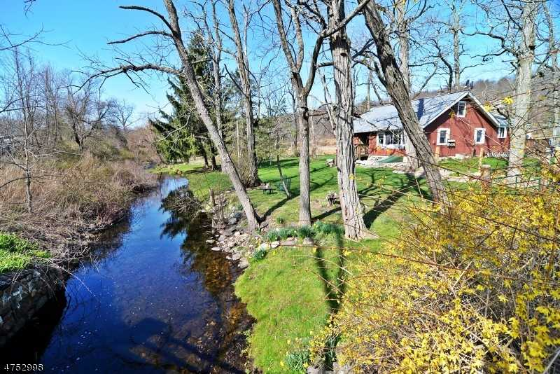 $820,000 - 3Br/2Ba -  for Sale in Hardwick Twp.